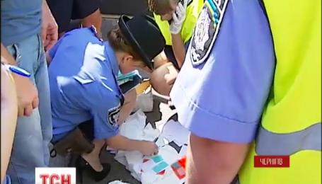 В Чернигове накануне дня голосования обнаружили целый арсенал поддельных печатей