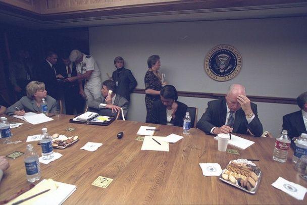 Інший бік теракту 11 вересня: у США розсекретили архівні фото адміністрації Буша під час трагедії