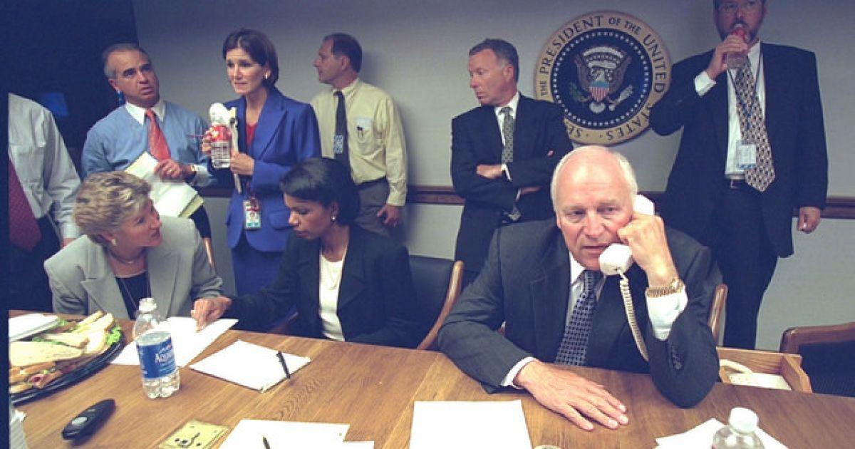 Фотографії передають емоційні 24 години у Білому домі