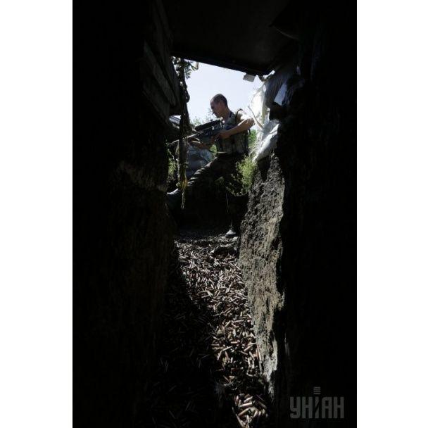 Фотографы показали, как живут силовики на передовой в Песках