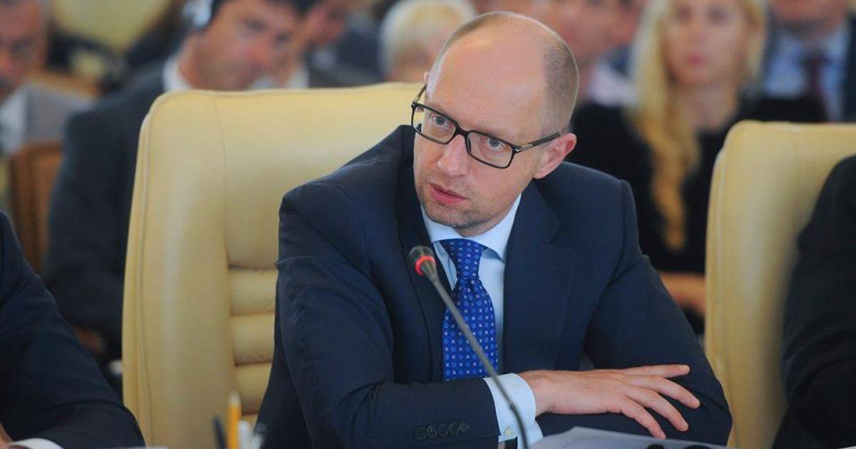 Яценюк заверил, что РФ не получит лучших условий реструктуризации долга