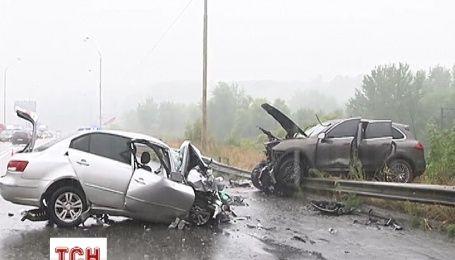 Porsche Cayenne вылетел на встречную полосу и врезался в Hyundai