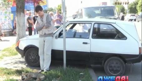 В Житомире мужчина сбил женщину с ребенком и сбежал