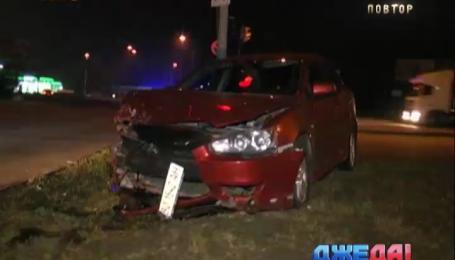 На Харьковском шоссе два Mitsubishi не поделили дорогу