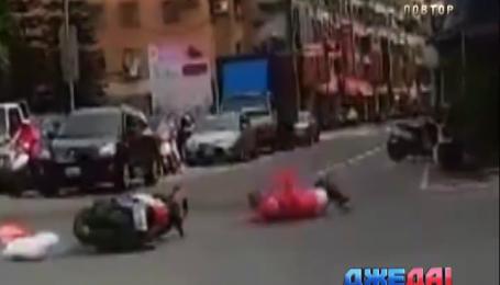 Подборка аварии с дорог мира