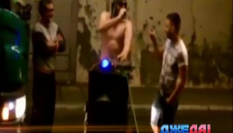 Полуголый ди-джей устроил вечеринку в туннеле под Ла-Маншем