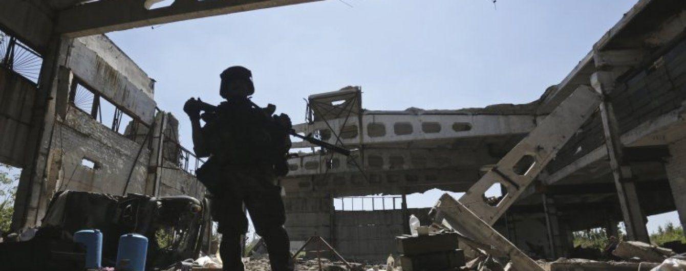 Бойовики продовжують поливати сили АТО вогнем, а біля Трьохізбенки відбулася перестрілка із ДРГ