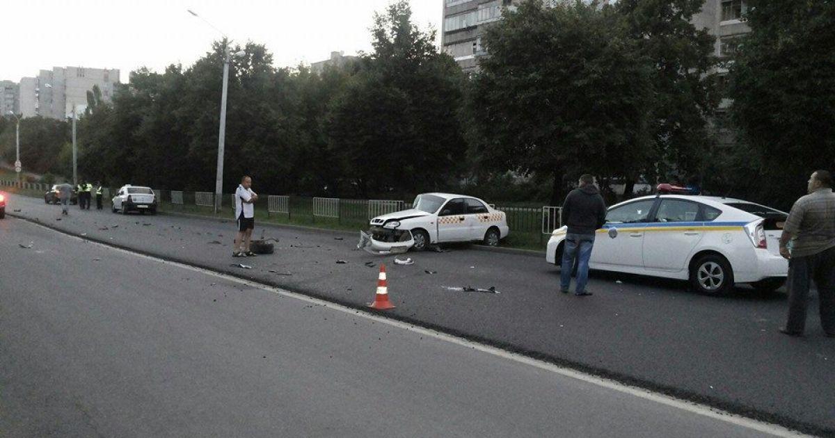 Проезжающие мимо места ДТП водители вызвали скорую и милицию