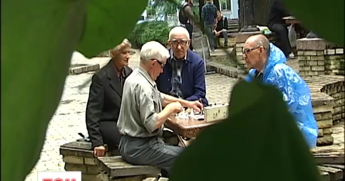 В Україні суттєво скорочується тривалість життя. Поради, як продовжити вік