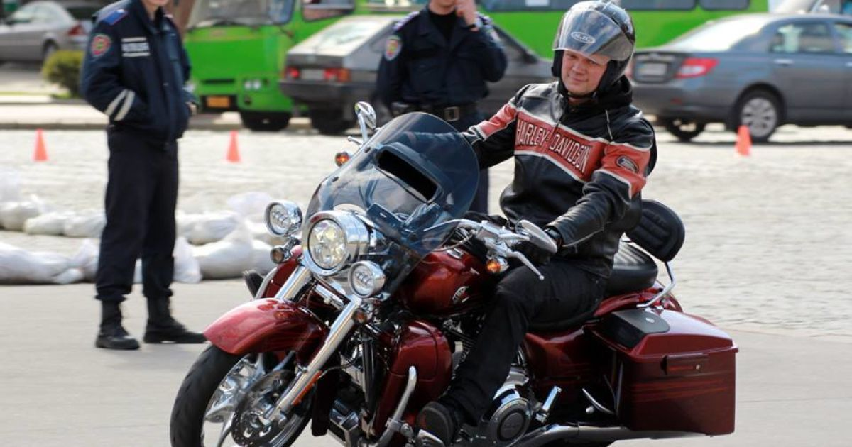 За Швайку внес залог однопартиец, который подарил свободовцу мотоцикл