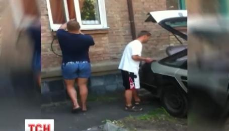 Біженець з Донбасу облаштував в орендованій столичній квартирі газову заправку