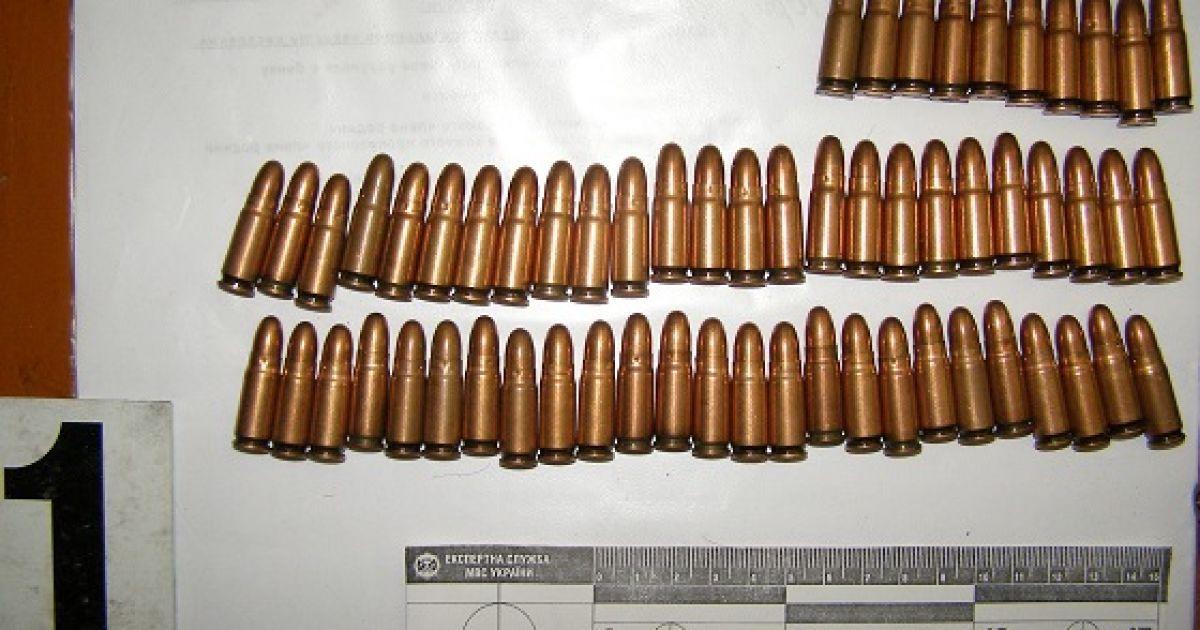 У задержанных изъяли большое количество оружия @ Пресс-служба МВД Украины