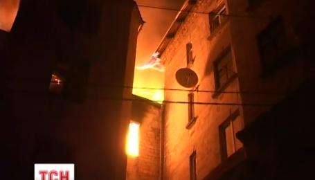 В исторической части Тернополя вспыхнул крупный пожар