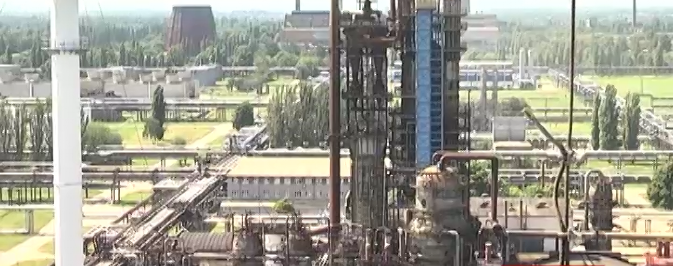 Кременчугский НПЗ может вспыхнуть, как нефтебаза под Васильковом