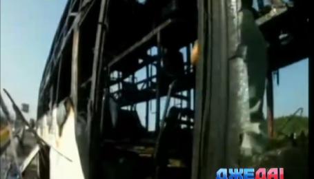 В Китае палящее солнце прямо на ходу поджигает транспортные средства