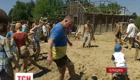 На Черкащине неравнодушные жители своими силами восстанавливают трипольское поселение