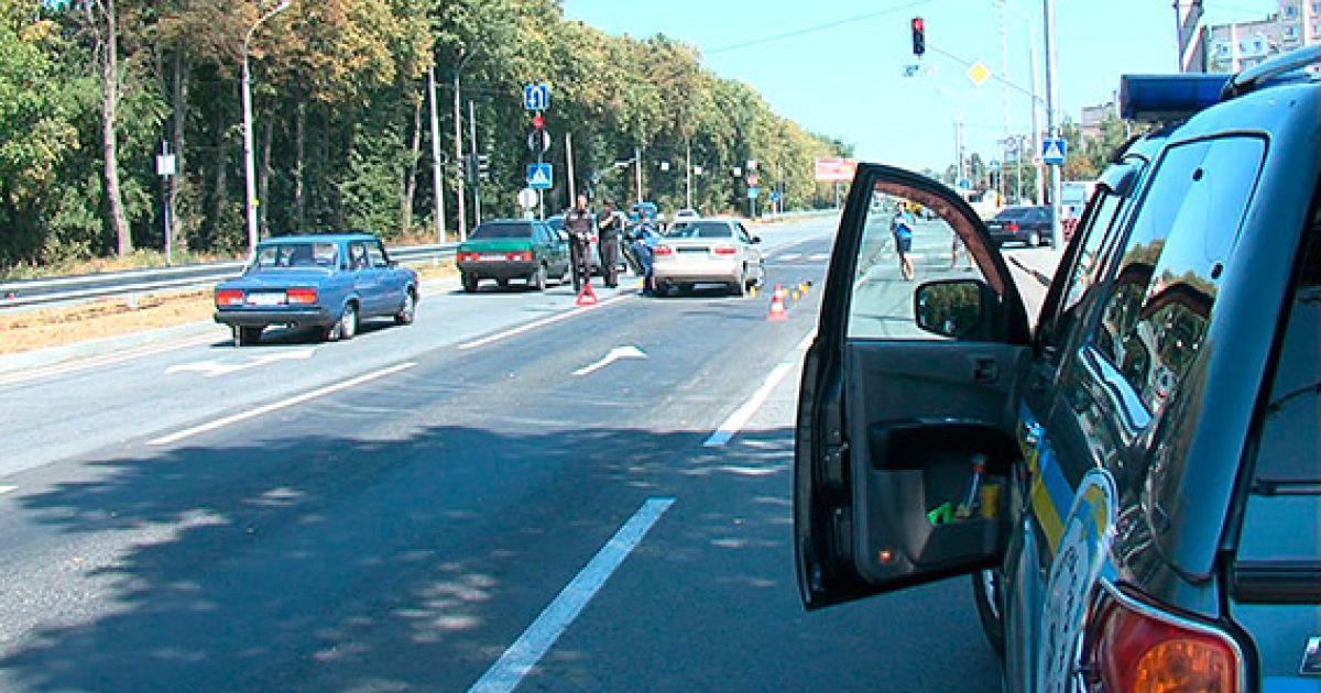 В Виннице расстреляли Daewoo Lanos @ ГУ Нацполиции в Винницкой области