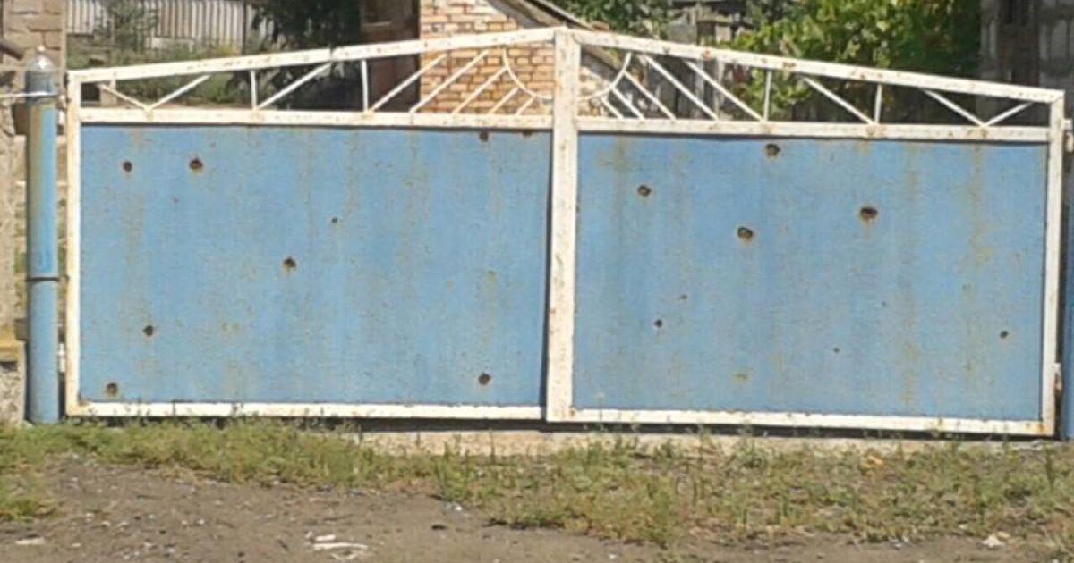 В поселке под Мариуполем разрушено 20 домов @ facebook.com/Вячеслав Аброськин