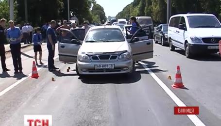 На въезде в Винницу расстреляли частную легковушку