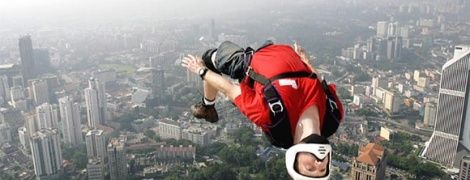 Вітчизняні бейсджампери мріють про легалізацію своїх стрибків, які б прославили Україну