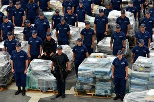Испанская полиция арестовала украинцев за контрабанду 13 тонн гашиша