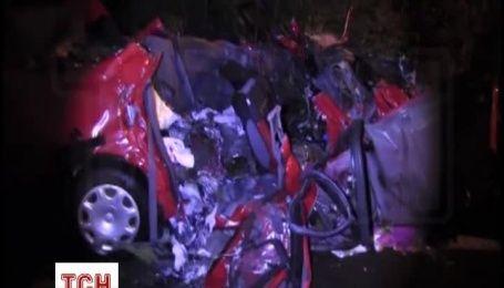 На Ровенщине фура раздавила авто с тремя людьми