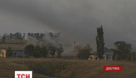 Дві доби проросійські терористи обстрілюють Старогнатівку на Донеччині