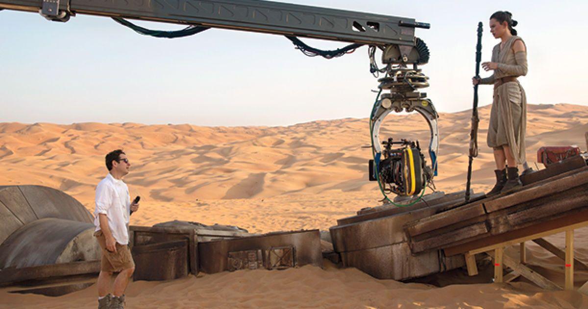 """Кадры из фильма """"Звездные войны. Пробуждение силы""""."""