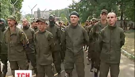 Полк «Азов» продовжує підготовку бійців у зону АТО