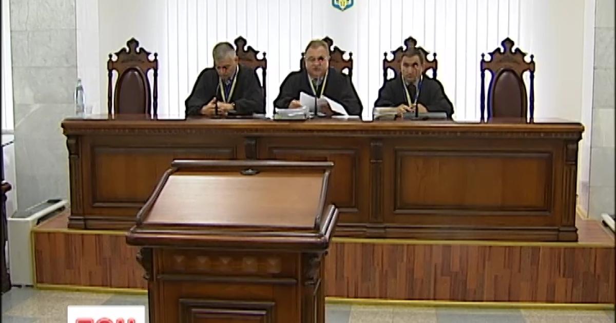"""Скандальный суд над Пукачем: толкотня на входе и """"липовые"""" справки адвоката"""