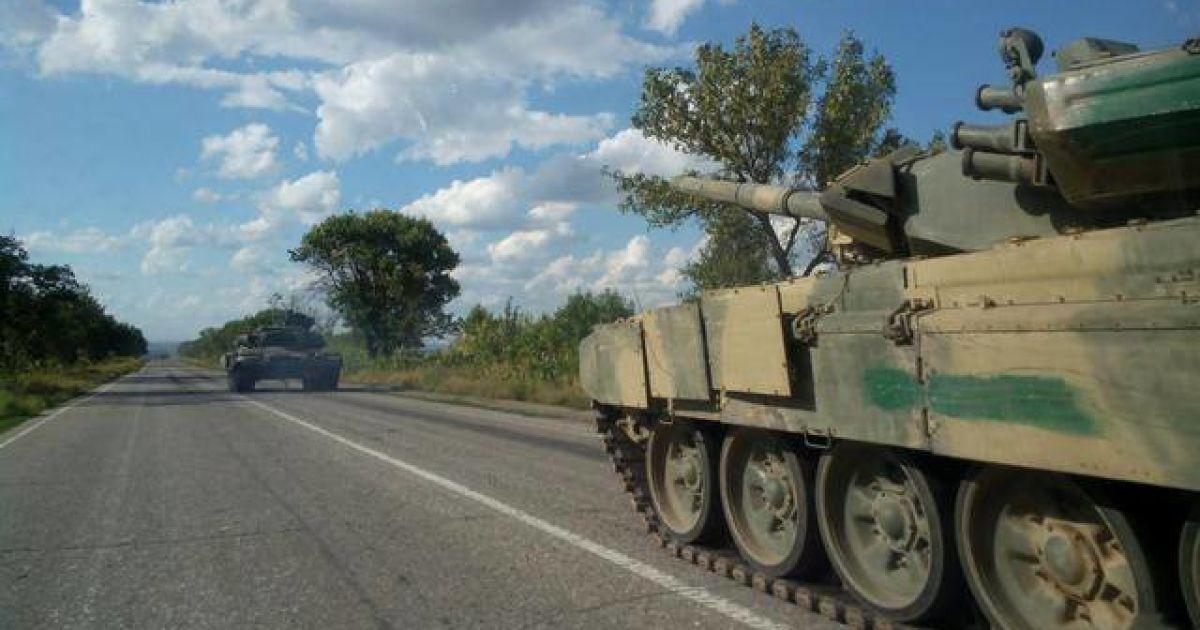 Очевидцы заметили российскую военную технику под Луганском @ Facebook/ЄвроМайдан – EuroMaydan