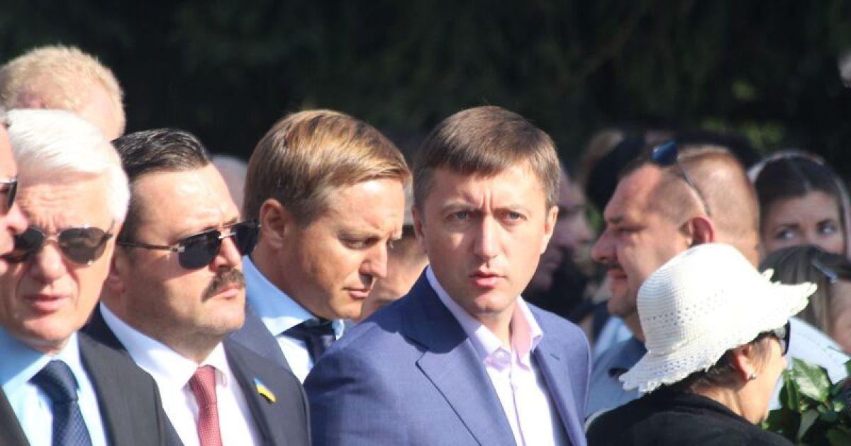 На похороны Еремеева прибыли ряд скандальных политиков @ ТСН.ua