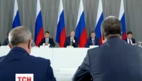 Порошенко прокомментировал визит Путина на аннексированный полуостров Крым