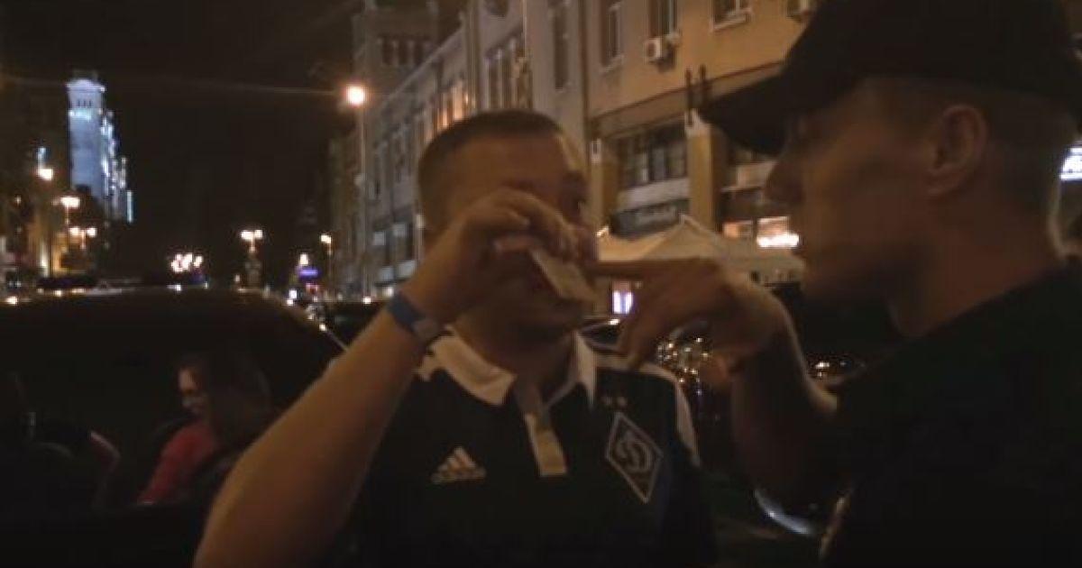У Києві п'яний німецький дипломат мало не наїхав на поліцейських (відео)