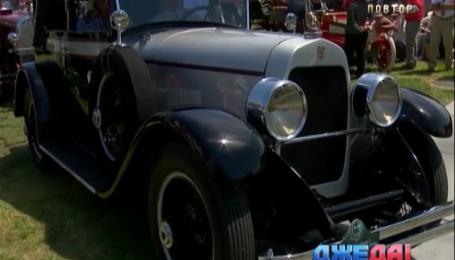 22 коллекционных автомобиля продали на аукционе в США