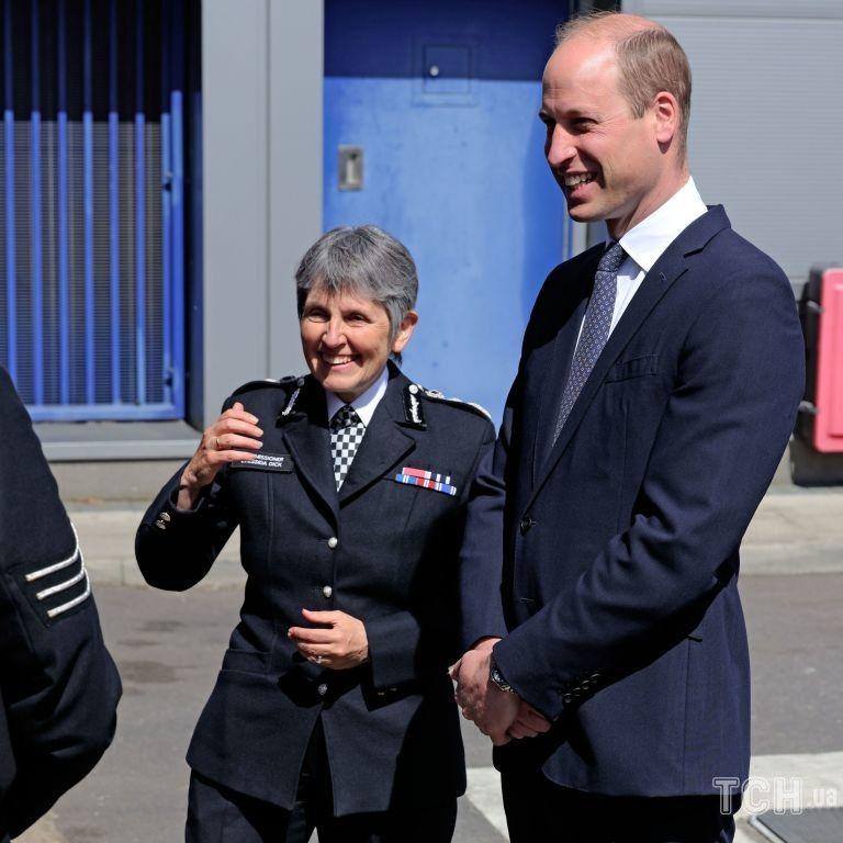 В этот раз без Кейт: принц Уильям приехал в исправительный центр
