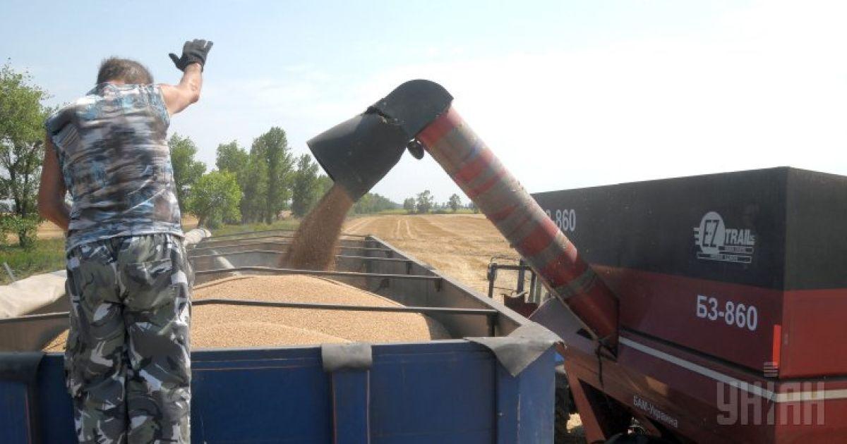 Россия может запретить ввоз всей агропродукции Украины уже с 2016 года – Яценюк