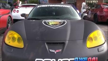 В США сверхбыстрые авто на дороге укрощает полицейский суперкар