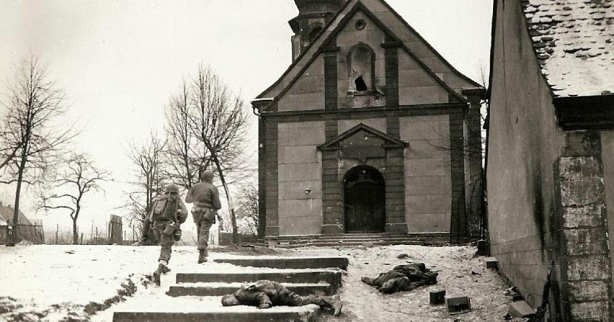 Рейд американских военных на здание, где прятались немецкие солдаты и удерживали заключенных. @ Argunners