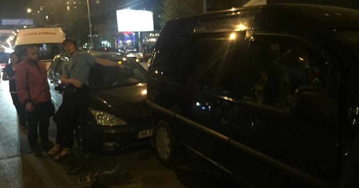 В ДТП на Героев Сталинграда столкнулись 5 машин. @ Зорян Шкиряк /Facebook