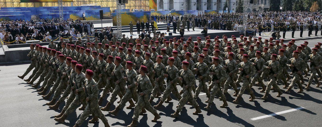 У Порошенка анонсували масштабний парад з 200 одиницями техніки на День Незалежності