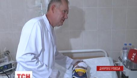 В Днепропетровск за выходные доставили вертолетами более десятка раненых