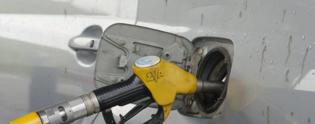 Після різкого здорожчання дизпального на АЗС почали міняти цінники на газ для авто