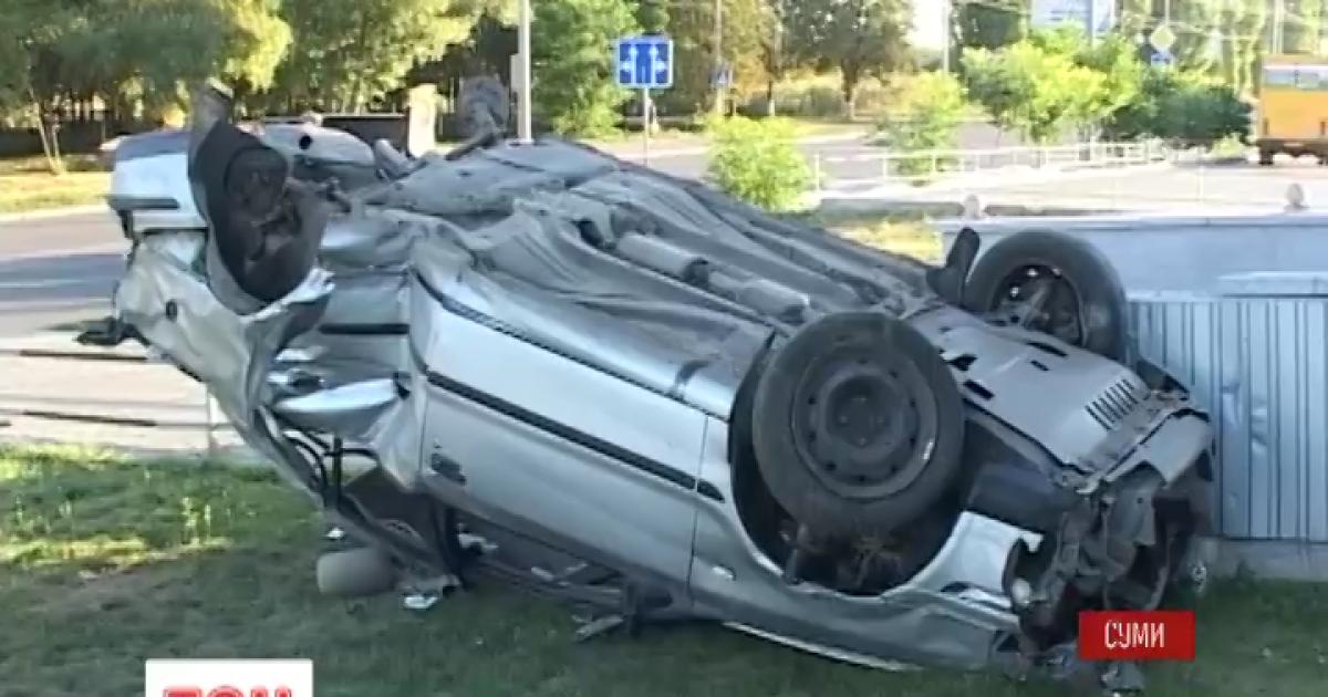 Жуткую аварию в Сумах зафиксировали камеры наблюдения
