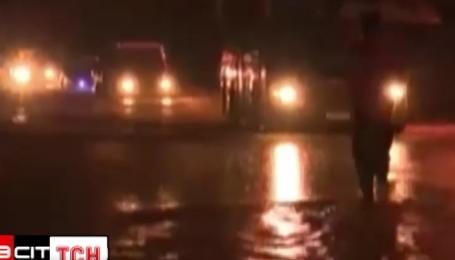 Сотні будинків у Батумі залишилися без світла через зливи та шторм
