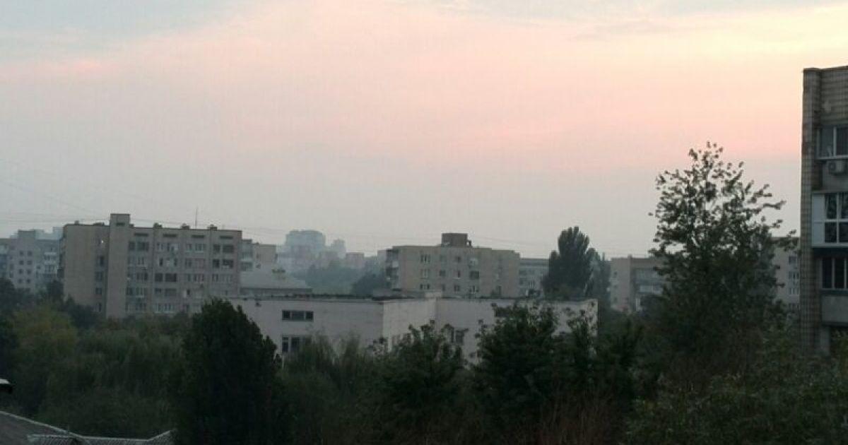 Уберечься от дыма спасатели посоветовали закрытыми окнами и кондиционерами вімкнутими @ ТСН.ua