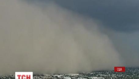 Піщана буря накрила місто Фенікс в американському штаті Арізона