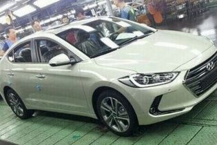 В Сети появились фото нового Hyundai Elantra без камуфляжа