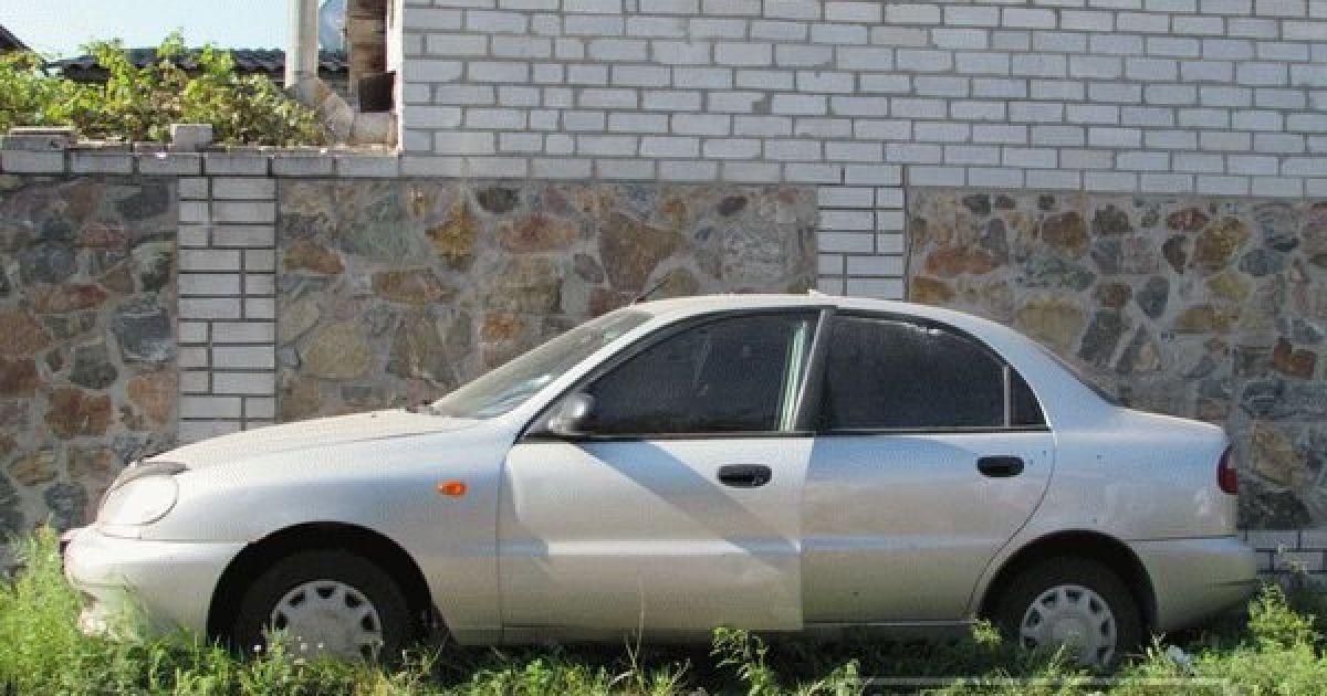 Неизвестный ранил водителя авто @ Индустриалка