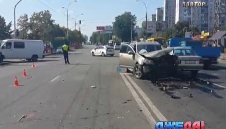 Тройная авария произошла в столице